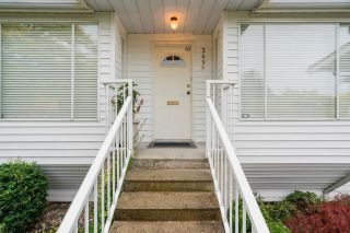 Photo 2: 3490 OXFORD Street in Vancouver: Hastings Sunrise House for sale (Vancouver East)  : MLS®# R2623373