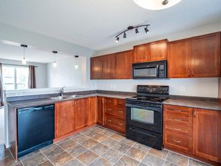 Photo 7: 326 Elgin Place SE in Calgary: McKenzie Towne Semi Detached for sale : MLS®# A1136926