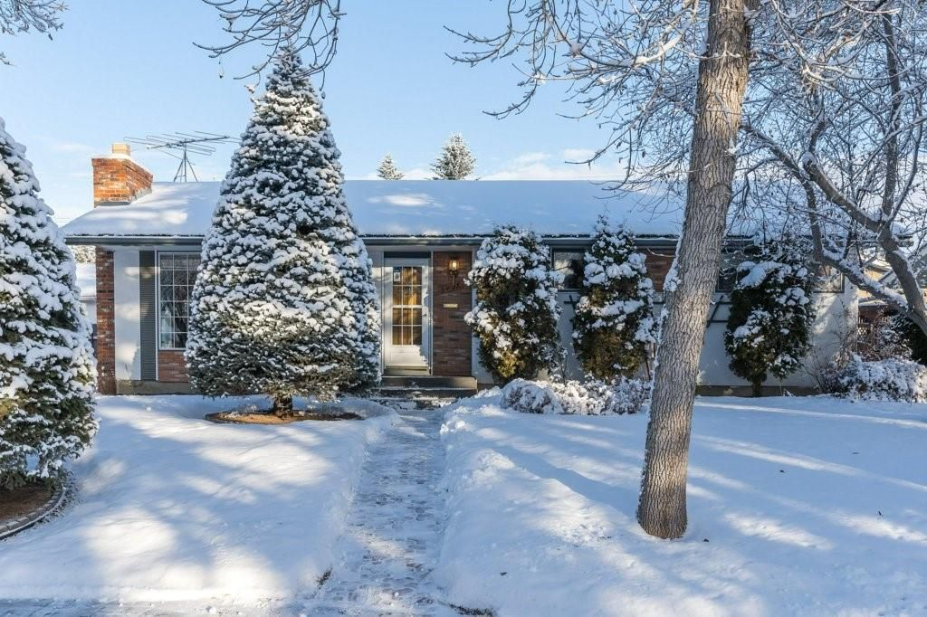 Main Photo: 3432 LANE CR SW in Calgary: Lakeview House for sale : MLS®# C4279817
