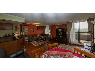 Photo 4: # 2001 3771 BARTLETT CT in Burnaby: Sullivan Heights Condo for sale (Burnaby North)  : MLS®# V1124539