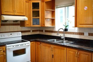 Photo 5: 747 E 23RD Avenue in Vancouver: Fraser VE House for sale (Vancouver East)  : MLS®# R2586481