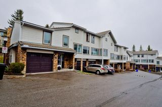 Photo 3: 85 Coachway Gardens SW in Calgary: Coach Hill Row/Townhouse for sale : MLS®# A1110212