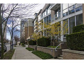 """Photo 19: THB 1207 MARINASIDE Crescent in Vancouver: Yaletown Townhouse for sale in """"The Peninsula"""" (Vancouver West)  : MLS®# V1046022"""