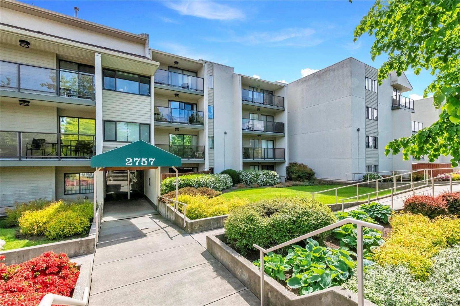 Main Photo: 107 2757 Quadra St in : Vi Hillside Condo for sale (Victoria)  : MLS®# 875709