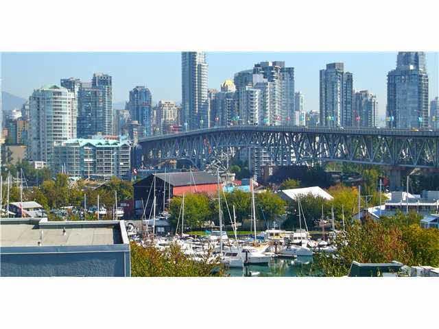 Main Photo: 404 1630 W 1ST AVENUE in : False Creek Condo for sale : MLS®# V1048830