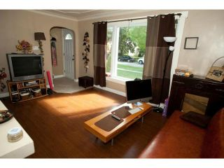 Photo 3: 441 Louis Riel Street in WINNIPEG: St Boniface Residential for sale (South East Winnipeg)  : MLS®# 1315867