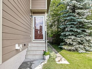 Photo 2: 224 Summerwood Place SE: Airdrie Semi Detached for sale : MLS®# A1127033