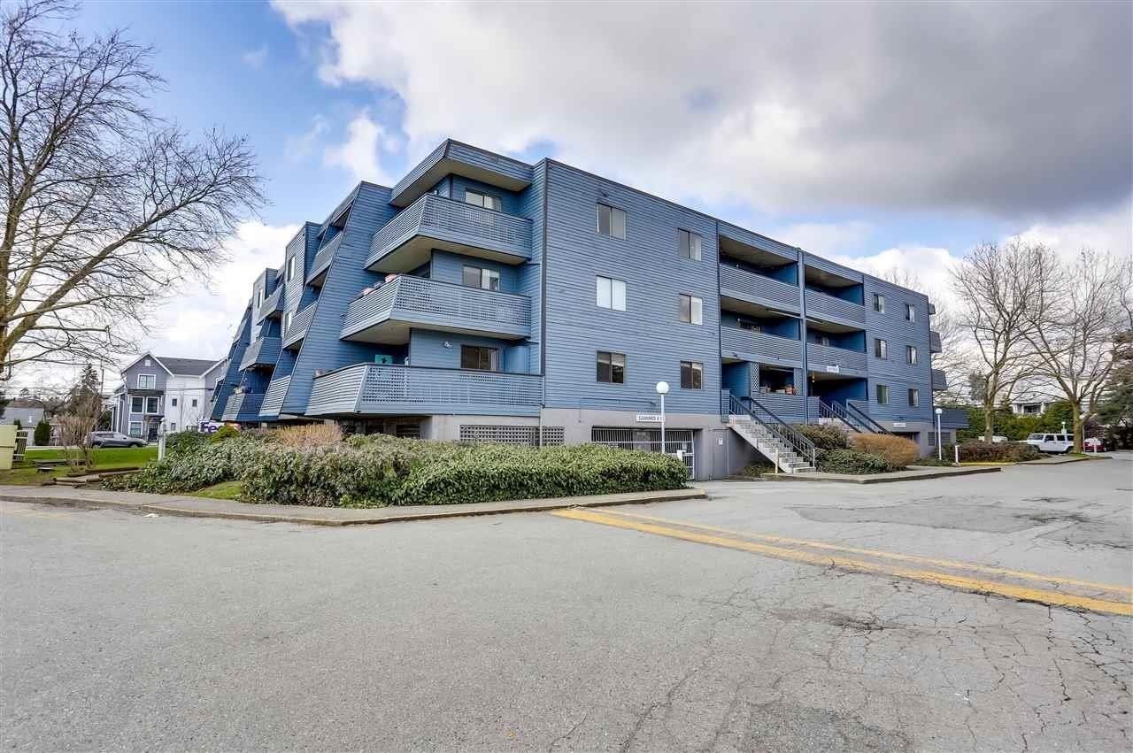 "Main Photo: 109 5906 176A Street in Surrey: Cloverdale BC Condo for sale in ""Wyndham Estates"" (Cloverdale)  : MLS®# R2602701"