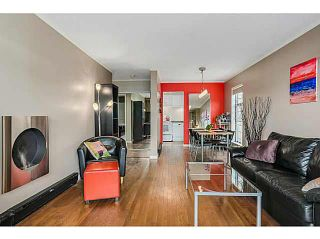 """Photo 1: 210 2120 W 2ND Avenue in Vancouver: Kitsilano Condo for sale in """"ARBUTUS PLACE"""" (Vancouver West)  : MLS®# V1120504"""
