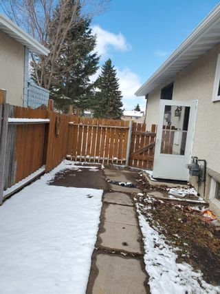 Photo 24: 405 MILLBOURNE Road E in Edmonton: Zone 29 House Half Duplex for sale : MLS®# E4238189