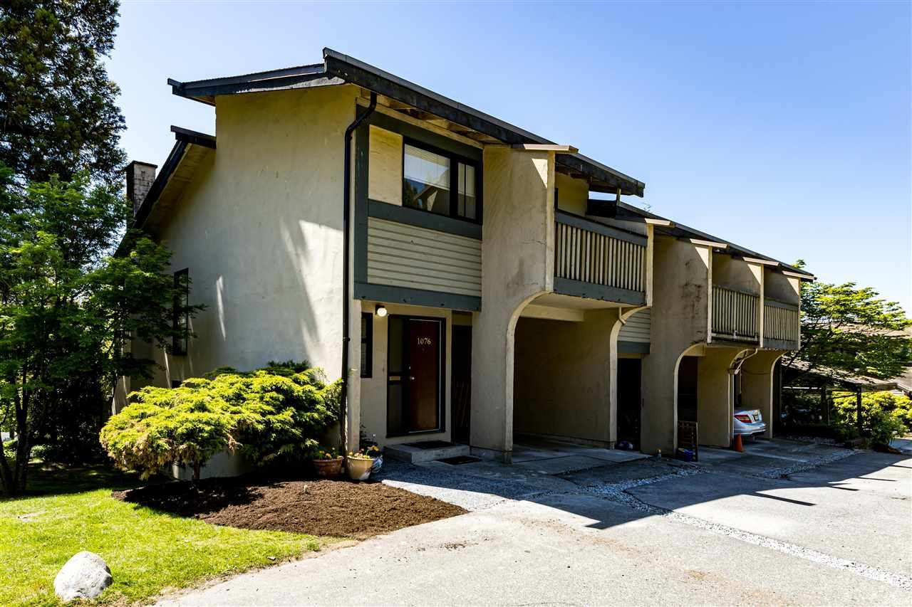 """Main Photo: 1076 LILLOOET Road in North Vancouver: Lynnmour Townhouse for sale in """"Lillooet Place"""" : MLS®# R2580744"""