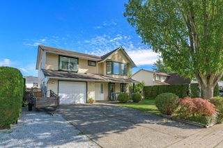 Photo 2: 6336 172 Street in Cloverdale: Cloverdale BC House for sale : MLS®# R2620518