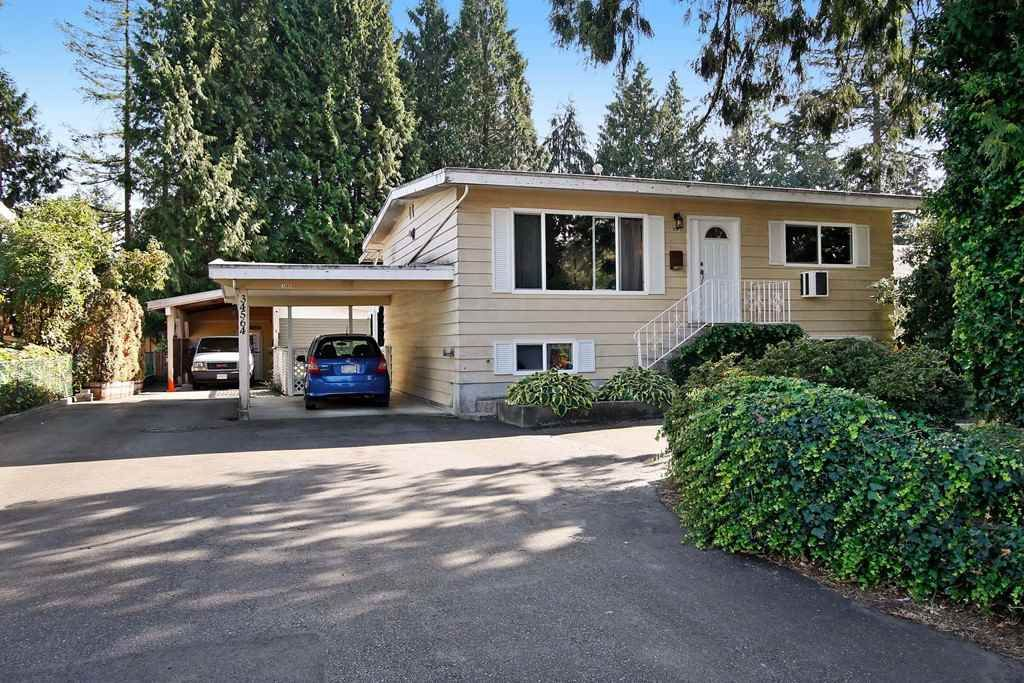 Main Photo: 34564 KENT Avenue in Abbotsford: Abbotsford East House for sale : MLS®# R2118135
