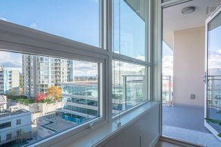 "Photo 5: 901 125 E 14TH Street in North Vancouver: Central Lonsdale Condo for sale in ""CENTERVIEW Tower B"" : MLS®# R2346792"