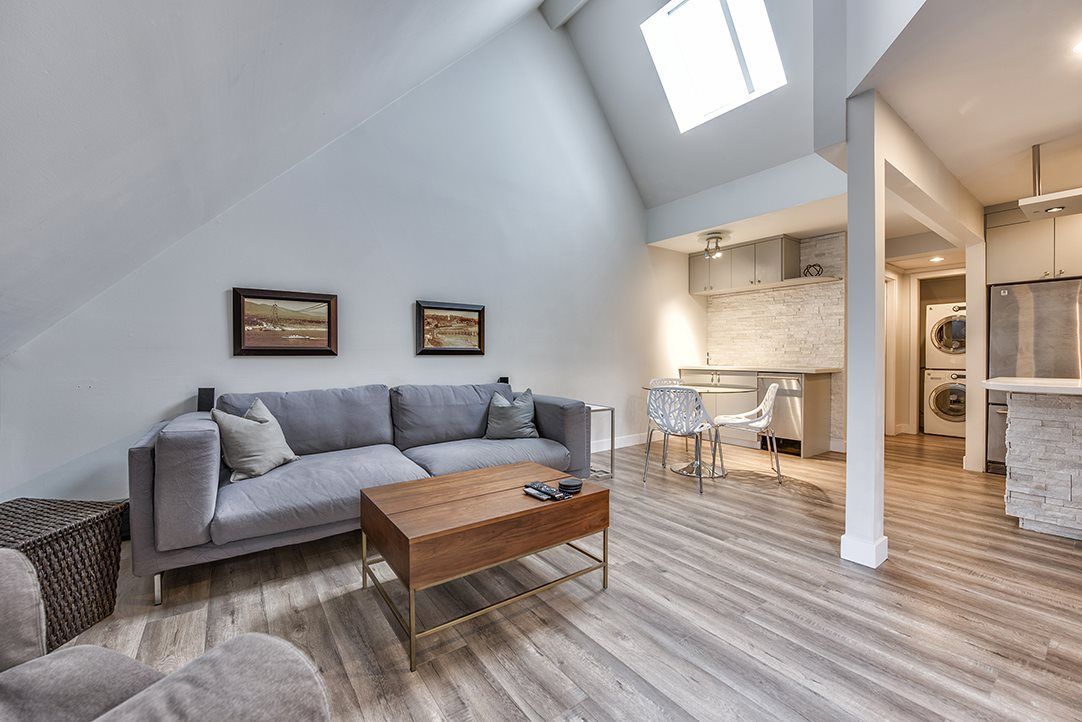"""Main Photo: 402 1500 PENDRELL Street in Vancouver: West End VW Condo for sale in """"Pendrell Mews"""" (Vancouver West)  : MLS®# R2105738"""