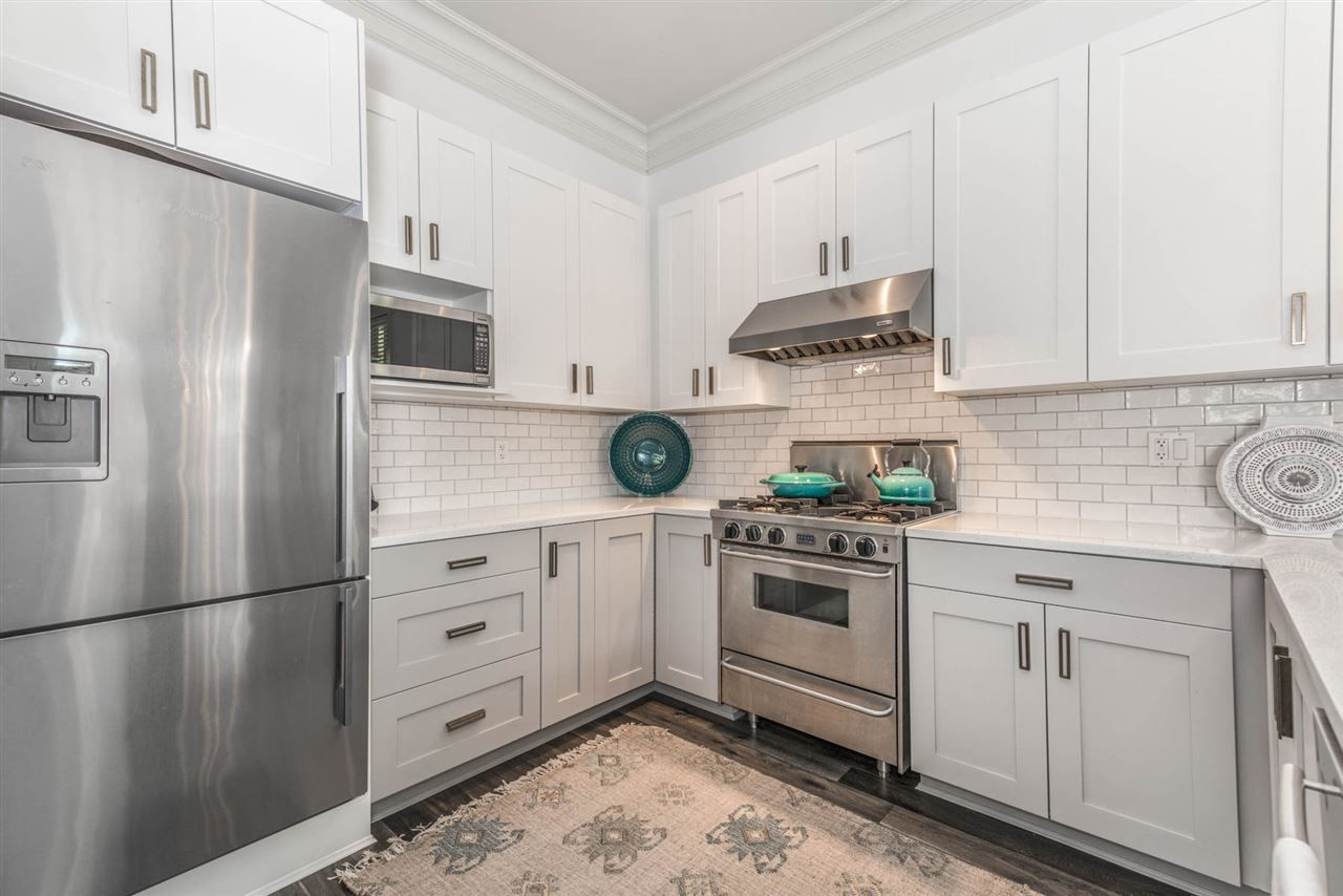 """Photo 5: Photos: 3175 YUKON Street in Vancouver: Mount Pleasant VW 1/2 Duplex for sale in """"Heritage at Cambie Village"""" (Vancouver West)  : MLS®# R2189433"""