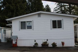 "Photo 2: 11 3931 198 Street in Langley: Brookswood Langley Manufactured Home for sale in ""BROOKSWOOD MOBILE HOME ESTATES"" : MLS®# R2421512"