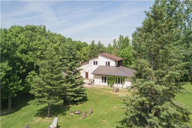 Photo 3: Photos: 28040 Hillside Road in Birds Hill: RM of Springfield Residential for sale (R04)  : MLS®# 1723179