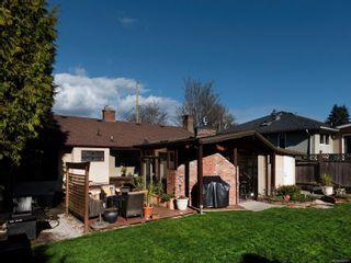 Photo 33: 2548 Wesley Pl in : Vi Oaklands House for sale (Victoria)  : MLS®# 866371