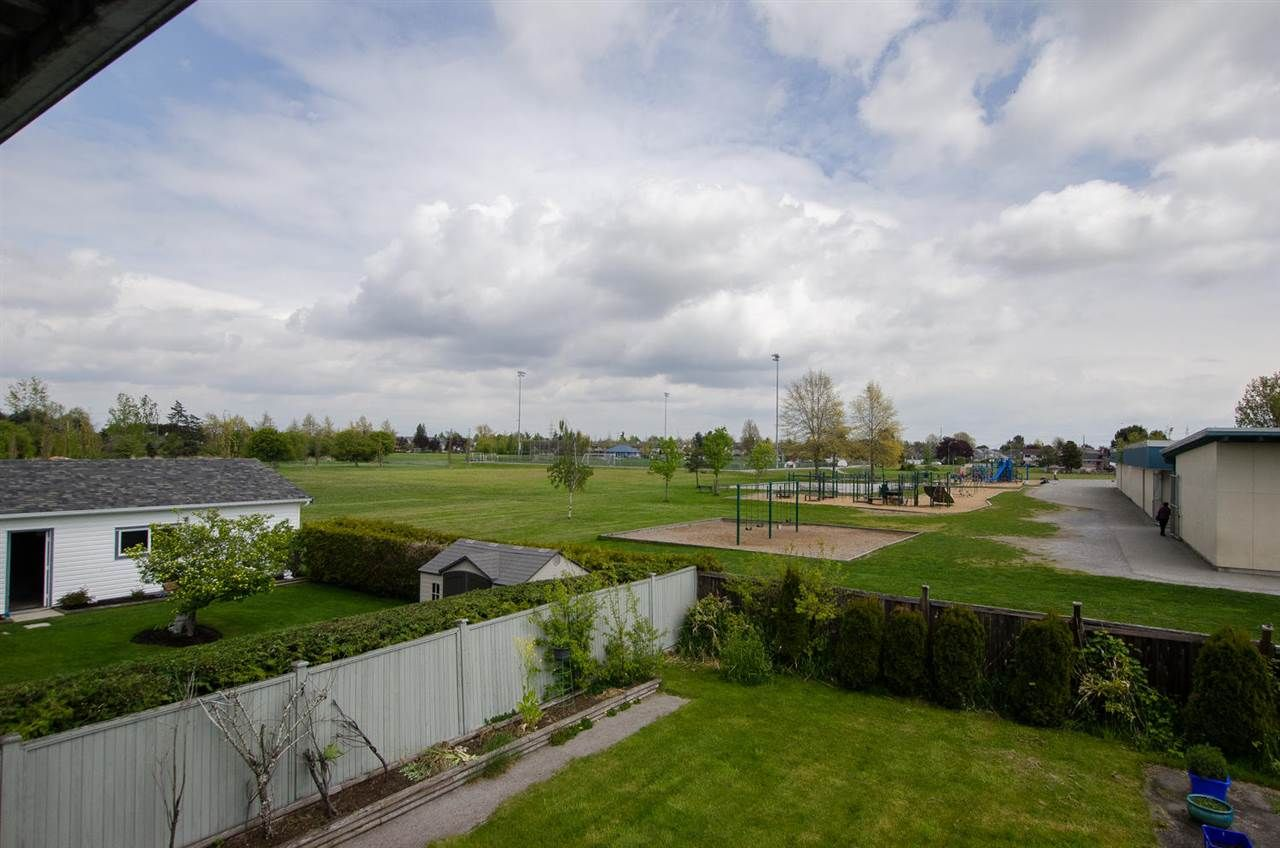 Photo 14: Photos: 4652 60B Street in Delta: Holly House for sale (Ladner)  : MLS®# R2366212