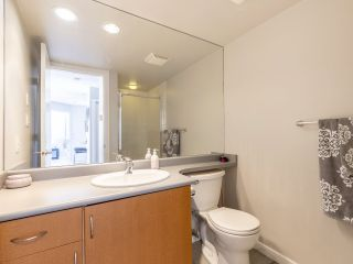 "Photo 14: 302 3161 W 4TH Avenue in Vancouver: Kitsilano Condo for sale in ""Bridgewater"" (Vancouver West)  : MLS®# R2443510"