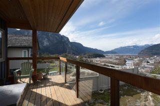 Photo 4: 2001 CLIFFSIDE Lane in Squamish: Hospital Hill House for sale : MLS®# R2249140
