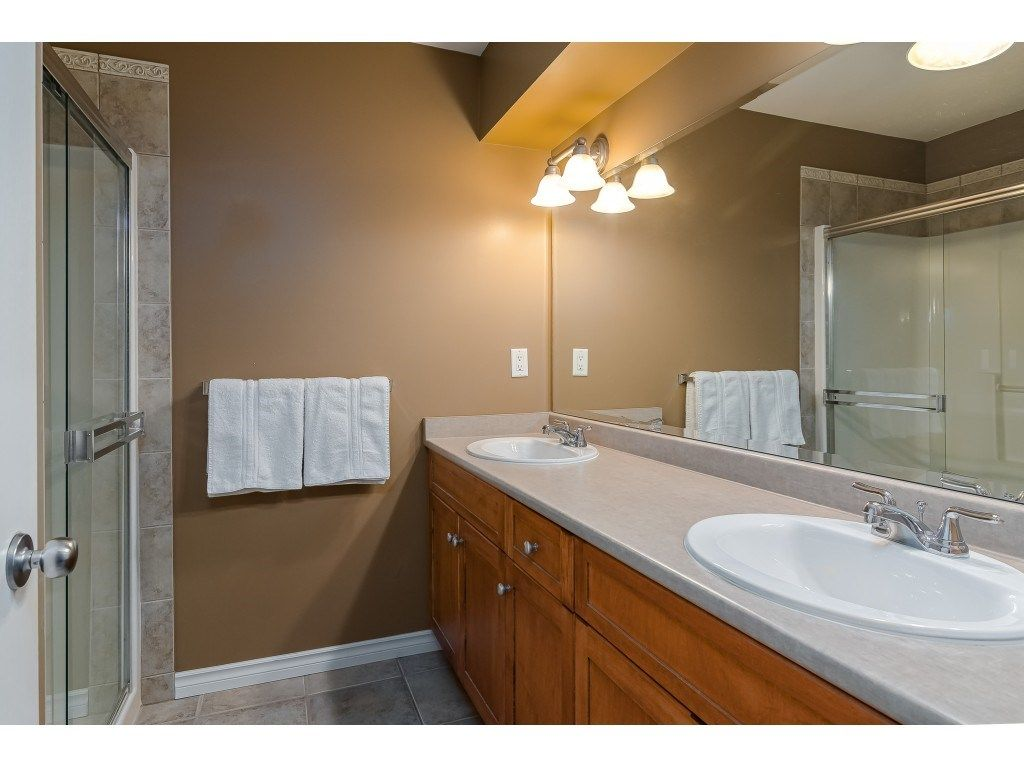 """Photo 21: Photos: 5 6588 188 Street in Surrey: Cloverdale BC Townhouse for sale in """"HILLCREST PLACE"""" (Cloverdale)  : MLS®# R2532394"""