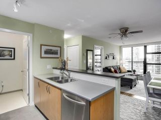"""Photo 10: 1907 1295 RICHARDS Street in Vancouver: Downtown VW Condo for sale in """"THE OSCAR"""" (Vancouver West)  : MLS®# R2539042"""