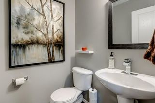 Photo 5: 324 Cresthaven Place SW in Calgary: Crestmont Detached for sale : MLS®# A1118546