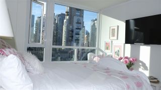 "Photo 10: 1506 388 DRAKE Street in Vancouver: Yaletown Condo for sale in ""GOVERNOR'S TOWER"" (Vancouver West)  : MLS®# R2542186"