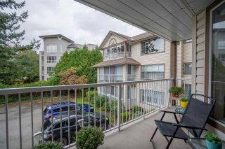"""Photo 17: 206 32145 OLD YALE Road in Abbotsford: Abbotsford West Condo for sale in """"Cypress Park"""" : MLS®# R2510644"""