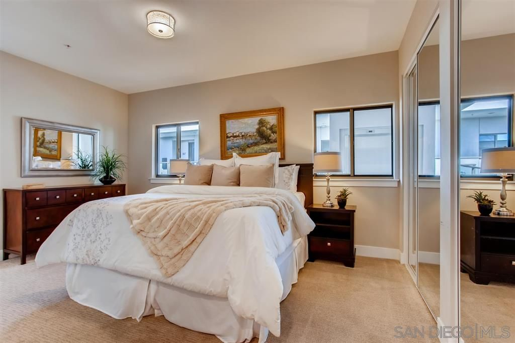 Photo 19: Photos: Condo for sale : 3 bedrooms : 3025 Byron St in San Diego