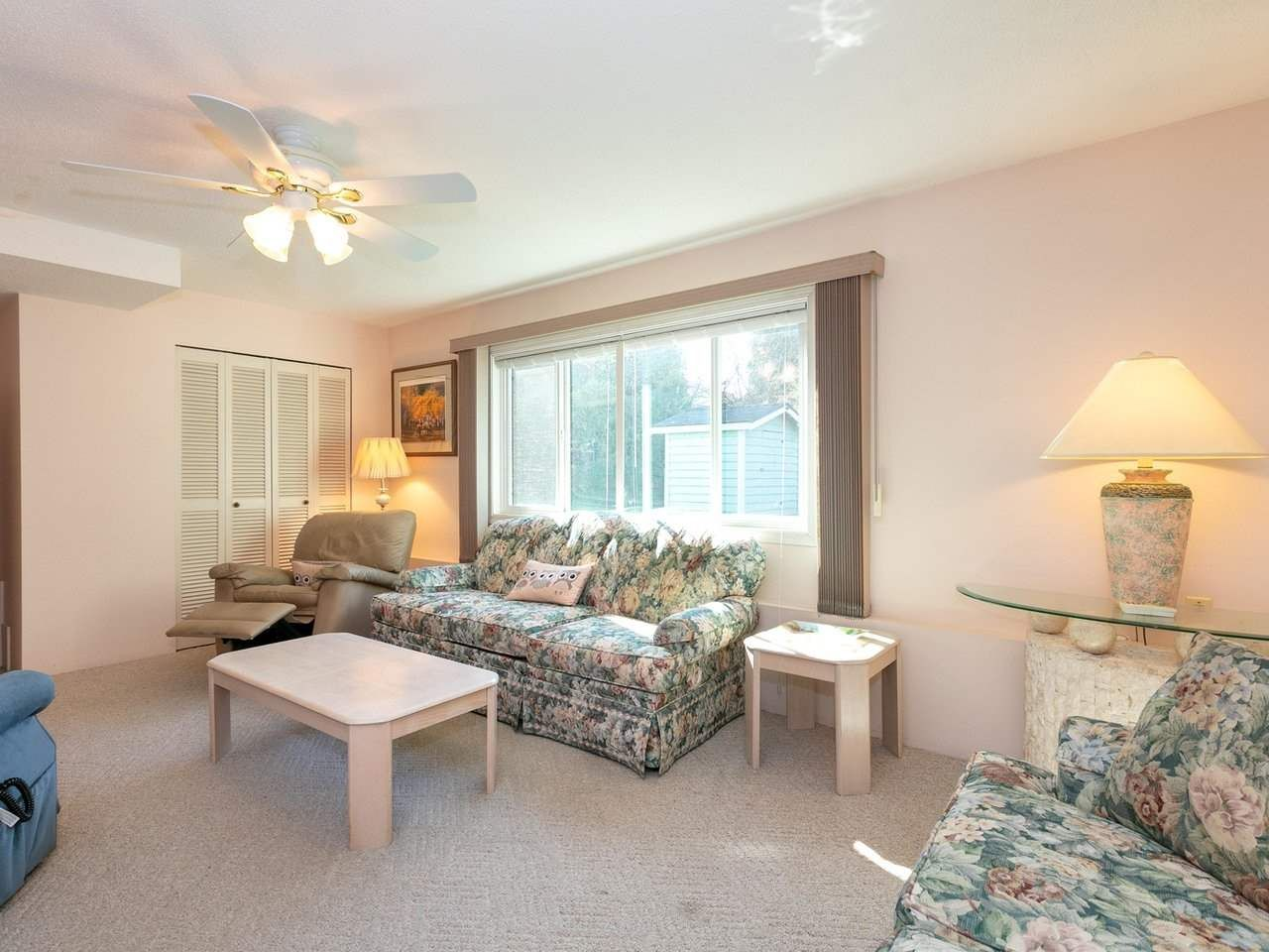 Photo 9: Photos: 1422 GROVER Avenue in Coquitlam: Central Coquitlam House for sale : MLS®# R2568207