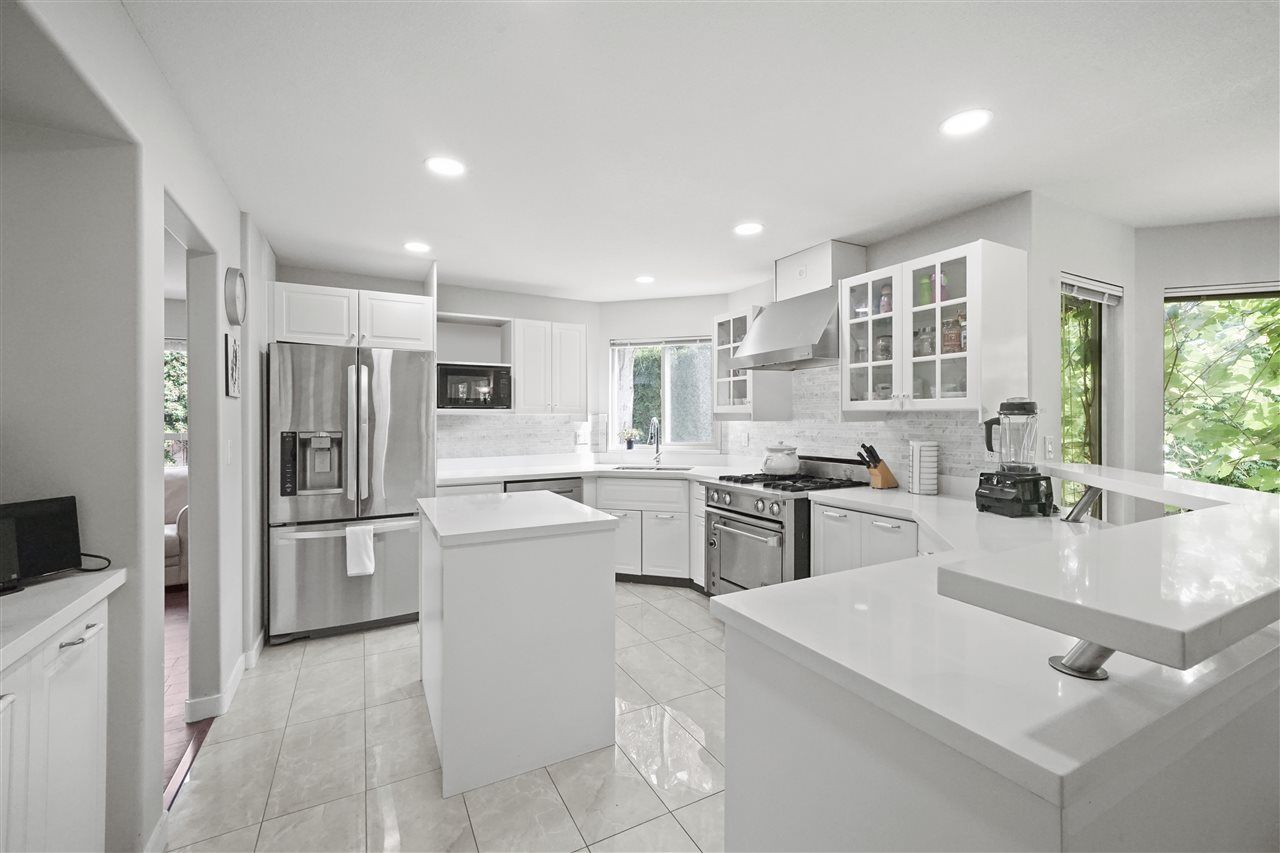 """Photo 1: Photos: 5268 CLIPPER Place in Delta: Neilsen Grove House for sale in """"MARINA GARDENS"""" (Ladner)  : MLS®# R2396213"""