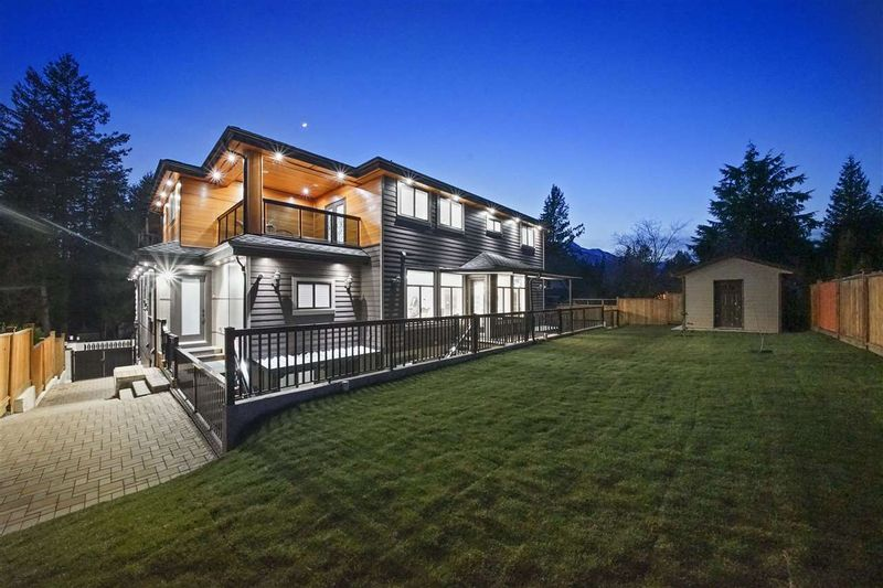 FEATURED LISTING: 40231 KINTYRE Drive Squamish