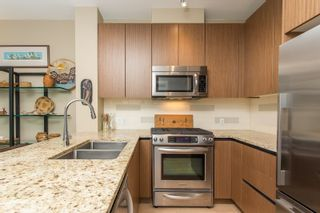 """Photo 2: 202 135 W 2ND Street in North Vancouver: Lower Lonsdale Condo for sale in """"CAPSTONE"""" : MLS®# R2547001"""
