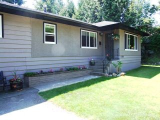 Photo 2: 15450 18 Ave in Surrey: Home for sale : MLS®# F2911944