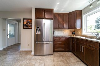 Photo 5: 9208 69 Street in Edmonton: Zone 18 House for sale : MLS®# E4253580
