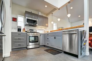 Photo 17: 859 E 15TH Street in North Vancouver: Boulevard House for sale : MLS®# R2335791