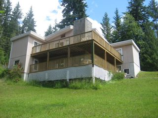 Photo 3: 7444 Anglemont Way in Anglemont: House for sale