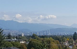 Photo 1: 5445 MANITOBA STREET in Vancouver: Cambie House for sale (Vancouver West)  : MLS®# R2199560