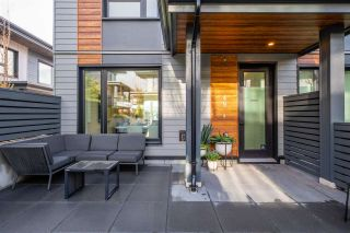 """Photo 2: TH49 528 E 2ND Street in North Vancouver: Lower Lonsdale Townhouse for sale in """"Founder Block South"""" : MLS®# R2543629"""