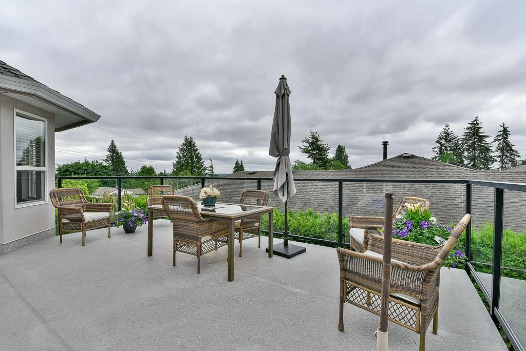 Photo 18: Photos: 6103 190 Street in Surrey: Cloverdale BC House for sale (Cloverdale)  : MLS®# R2269970