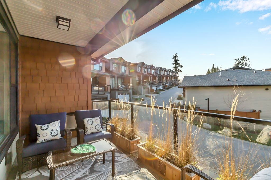 """Photo 3: Photos: 21 3618 150 Street in Surrey: Morgan Creek Townhouse for sale in """"Viridian"""" (South Surrey White Rock)  : MLS®# R2567751"""