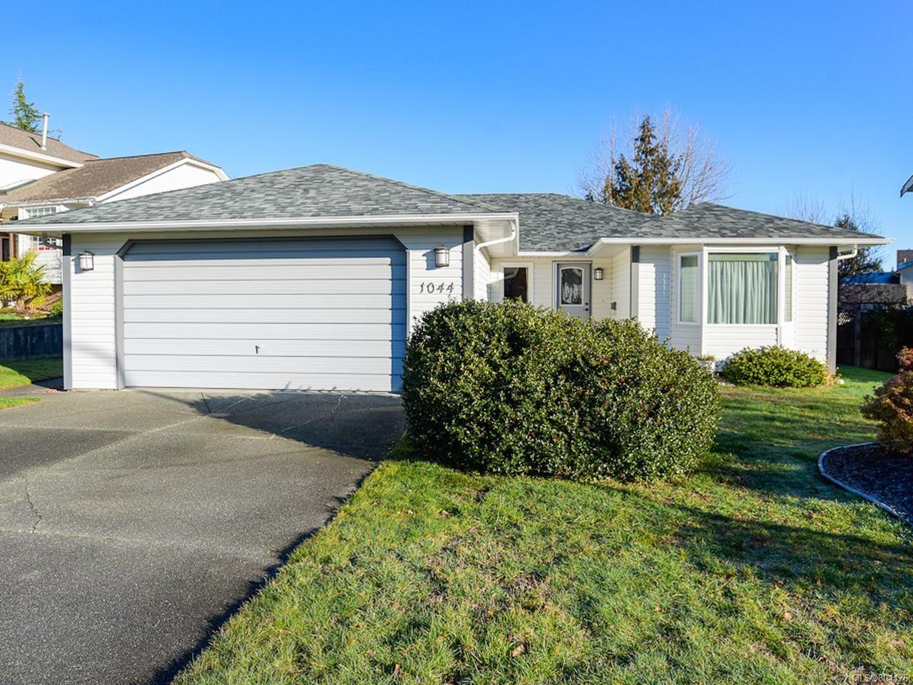 Main Photo: 1044 ARROWSMITH Avenue in COURTENAY: CV Courtenay East House for sale (Comox Valley)  : MLS®# 804176
