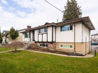 Photo 1: 6930 CANADA Way in Burnaby: Burnaby Lake House for sale (Burnaby South)  : MLS®# R2572259