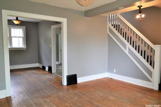 Photo 3: 204 f Avenue South in Saskatoon: Riversdale Residential for sale : MLS®# SK858848