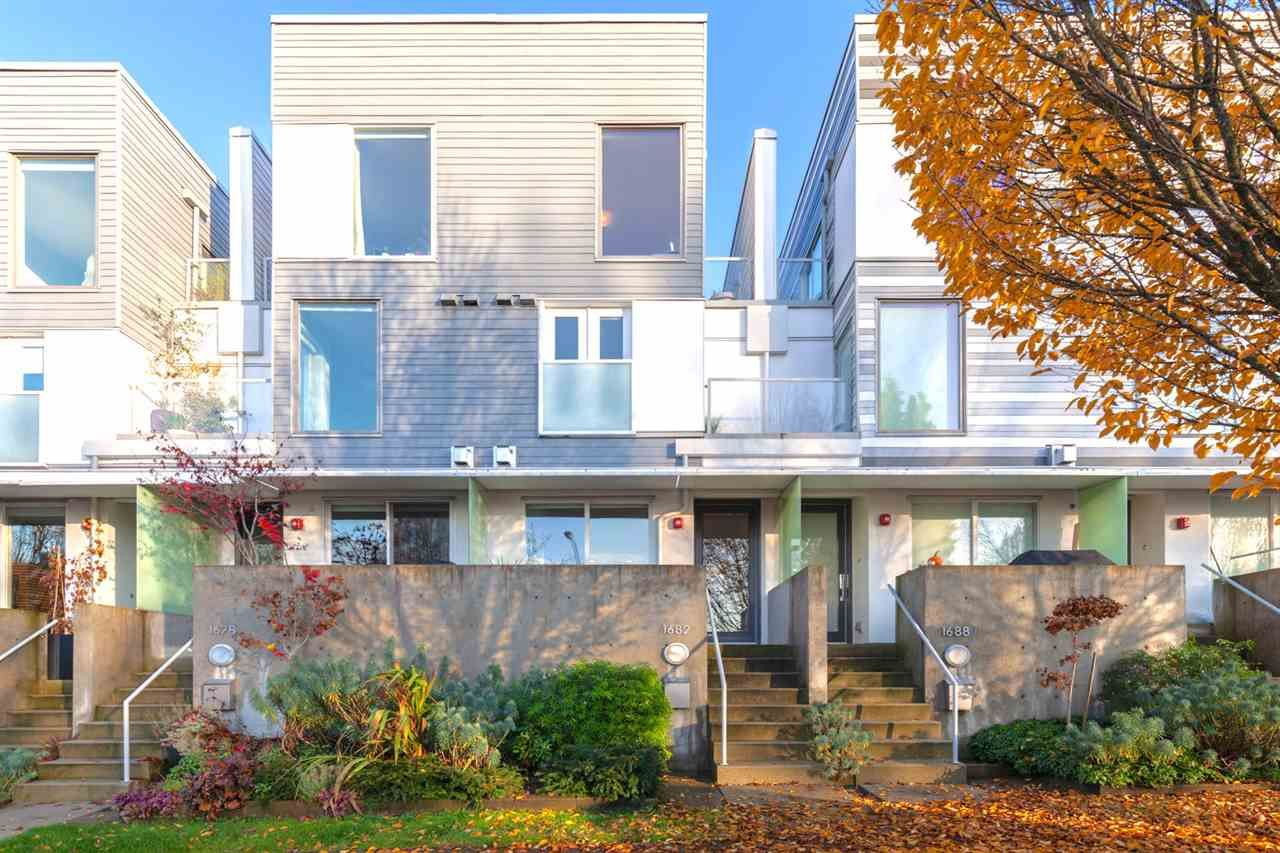 """Main Photo: 1682 MCLEAN Drive in Vancouver: Grandview Woodland Townhouse for sale in """"Grandview Cascades"""" (Vancouver East)  : MLS®# R2431679"""