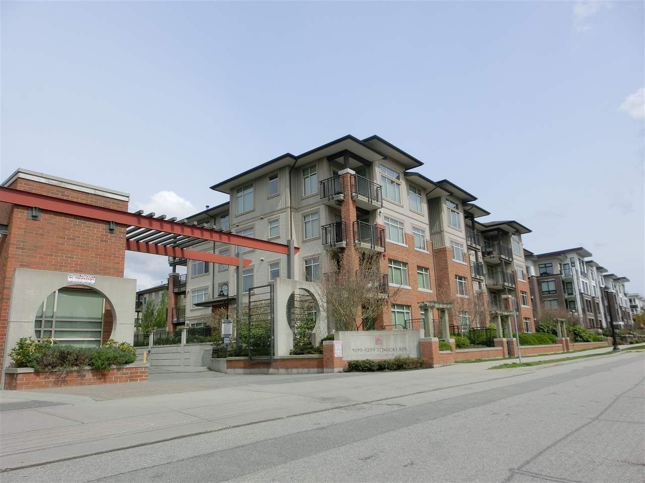 Main Photo: 205 9299 TOMICKI AVENUE in : West Cambie Condo for sale : MLS®# R2289213