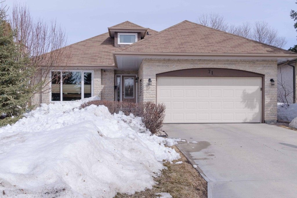 Main Photo: 71 Chancery Bay in Winnipeg: Single Family Detached for sale (River Park South)  : MLS®# 1407582